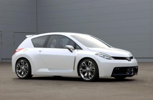 Mobil Nissan Versa 2012
