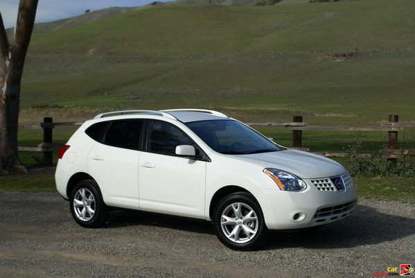 Mobil Nissan Rogue