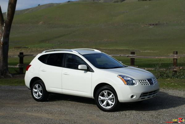 Mobil Nissan Rogue