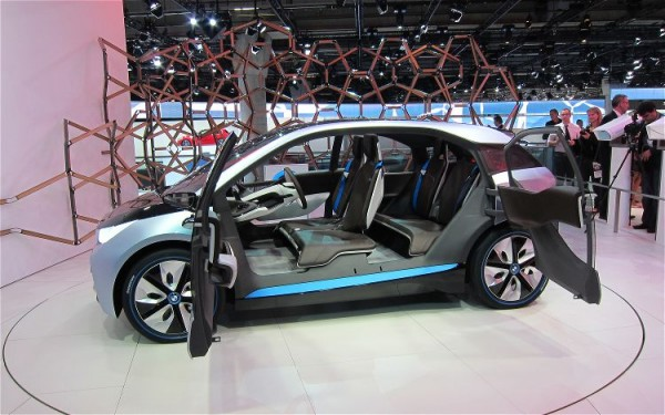 BMW i3 sewa mobil yogyakarta murah