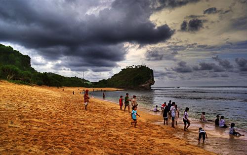 Pantai Indrayanti rental mobil yogyakarta