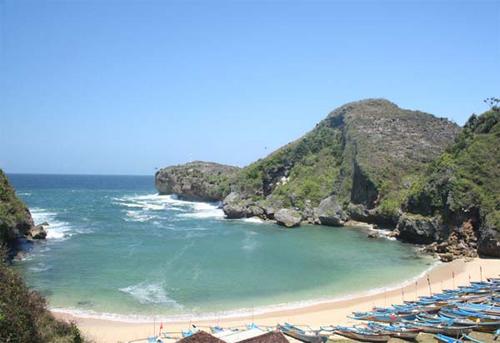 Pantai Ngobaran rental mobil yogyakarta