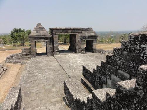 candi ratu boko temple rental mobil murah di yogyakarta