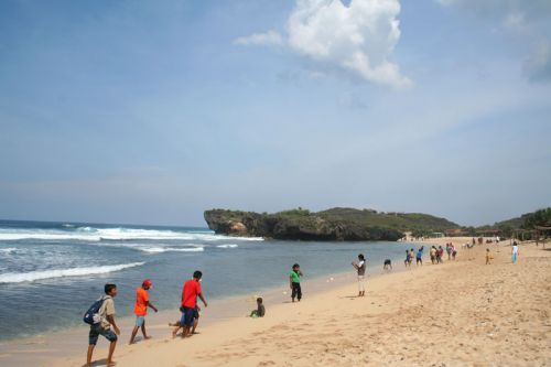 pantai krakal yogyakarta tour travel