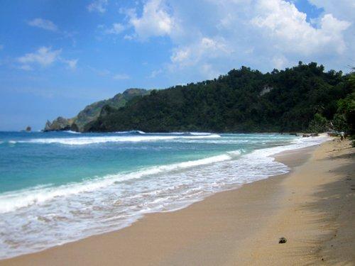 pantai wediombo wonosari paket wisata yogyakarta