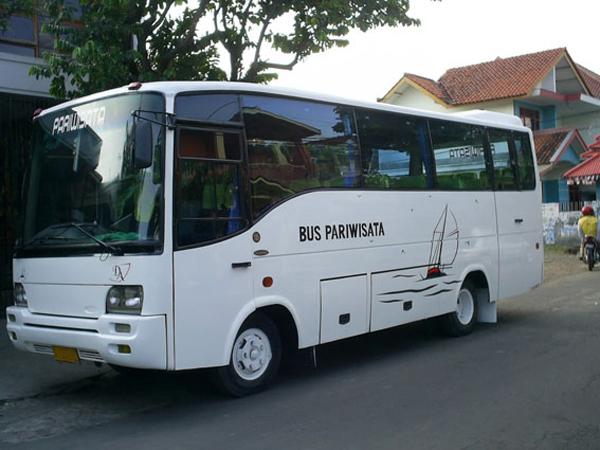 Bus Pariwisata Jogja Kecil
