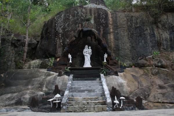 Taman Maria Giri Wening1