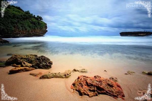 Pasir Putih Pantai Timang Yogyakarta