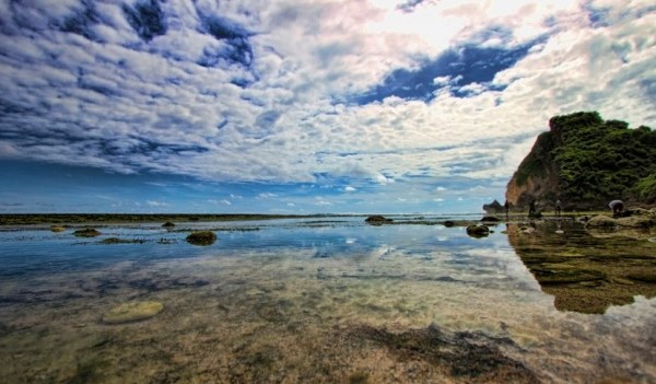 Pantai Sundak Gunungkidul Yogyakarta
