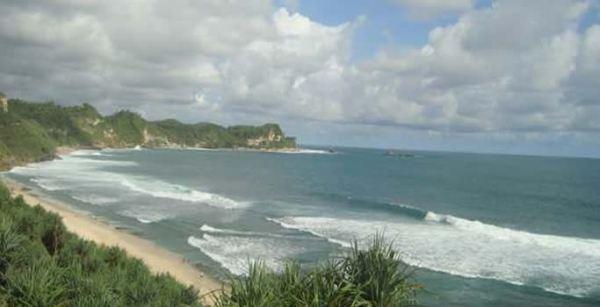 Pantai Nampu Wonosari