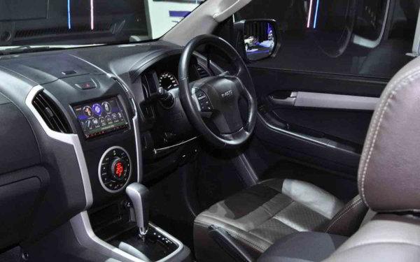 Rental Mobil Chevrolet Colorado Jogja Indonesia